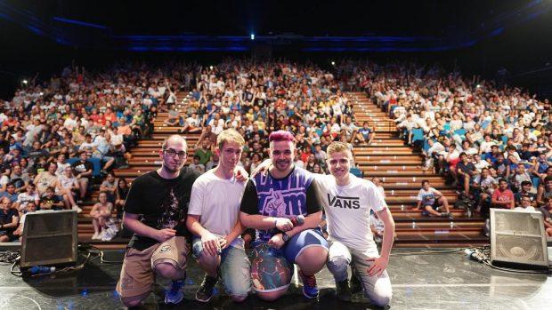 La quantità di paganti intervenuti per il CiccioGamer89 Live show è davvero impressionante: gli youtuber sono le nuove rockstar!