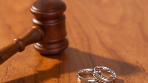 Duecento richieste di divorzio dall'inizio dell'anno hanno incluso la dipendenza da Fortnite come uno dei fattori coinvolti.