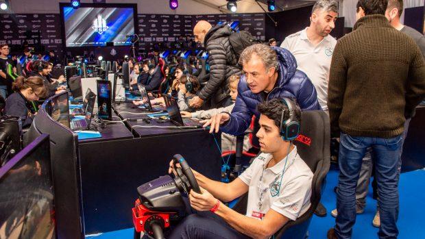 Jean Alesi, 54 anni, alla presentazione della sua nuova Academy per piloti virtuali