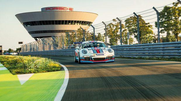Non solo virtuale: ai trentadue partecipanti sarà data la possibilità di provare le Porsche ufficiali sul circuito test di Leipzig. Non si vive di solo montepremi.