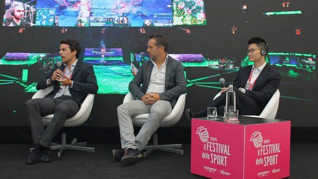 Daniel Schmidhofer– al centro – è stato anche tra i protagonisti al Festival dello Sport di Trento, in cui si è parlato dell'eSport a tutto tondo.