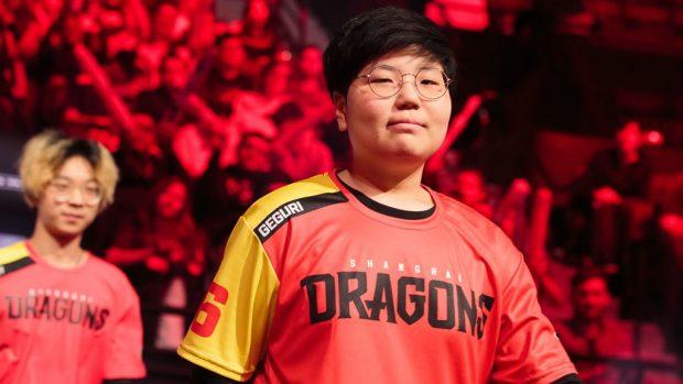 """Se-Yeon """"Geguri"""" Kim, la prima professionista della Overwatch League, al momento dell'esordio era stata accusata di imbrogliare."""
